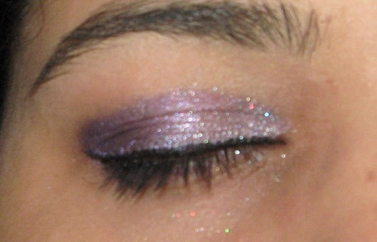 Kryolan-Glitter-Pearl-Lila-Review-Swatch-eyes