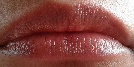 Lakme-Lip-Love-Lip-Care-cocoa-lip-balm-review-swatch-lips