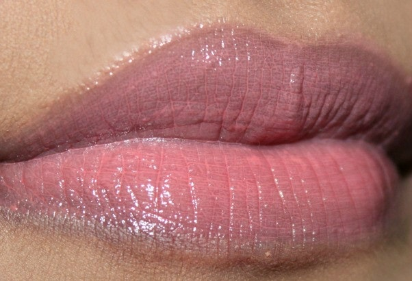 Maybelline-Baby-Lips-Candy-Wow-Peach-lip-balm-review-swatch-lips