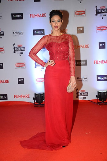 Ileana-DCruz-Filmfare-Awards-2016-dress