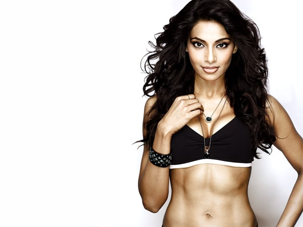 best-bollywood-actresses-fitness-secrets-diet-charts-gym