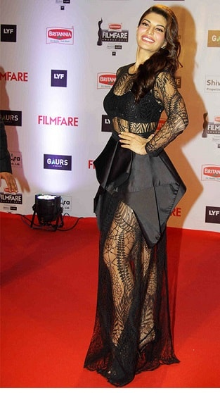 jacqueline-fernandez-filmfare-awards-2016-dress