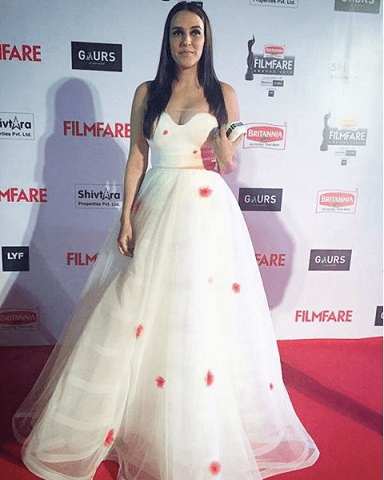 neha-dhupia-filmfare-2016-dress