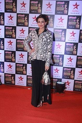 Sonali-Bendre-Dress-Star-Screen-Awards-2016