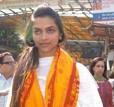 Top 10 Pictures of Deepika Padukone Without Make Up