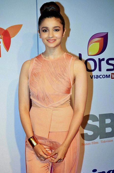 Alia Bhatt in top knot