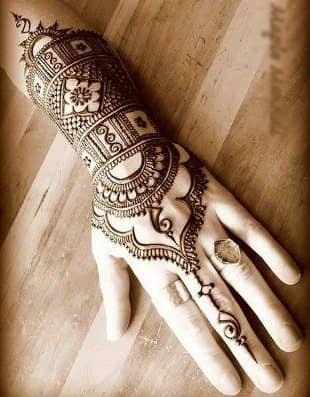 Best-bridal-Mehendi-Designs-India (1)