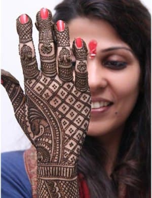 Best-bridal-Mehendi-Designs-India (30)