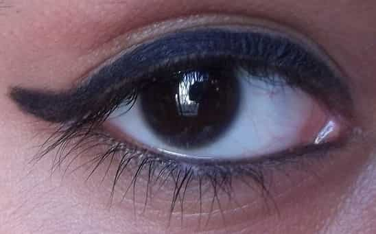 Maybelline-Colossal-Super-Black-Kajal-Review-Swatches-price-buy-online