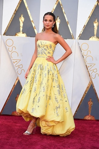 alicia-vikander-top-18-best-and-worst-dressed-celebs-oscars-2016-red-carpet