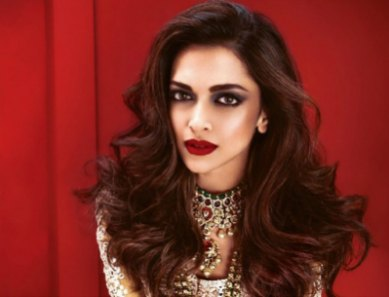 top-10-bollywood-actresses-with-red-lips