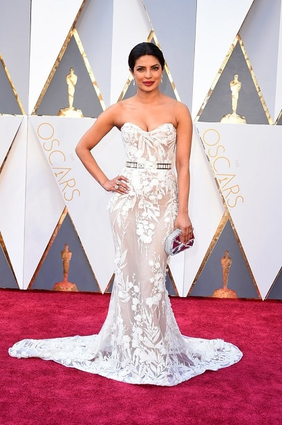 priyanka-chopra-top-18-best-and-worst-dressed-celebs-oscars-2016-red-carpet