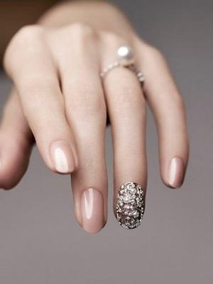 top-20-bridal-nail-art-designs(10)