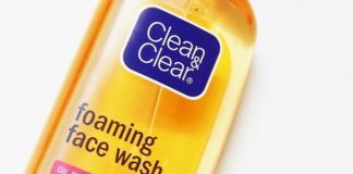 Clean-and-Clear-Foaming-Facial-Wash-Review