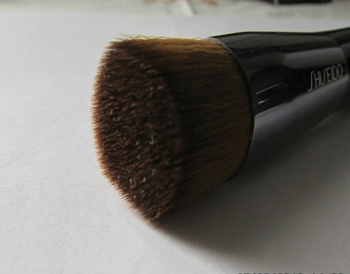 Shiseido- foundation -brush-review-price-india