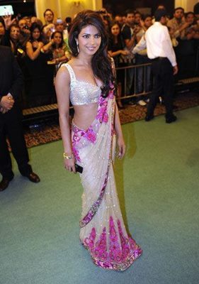 top-bollywood-divas-in-sarees(6)