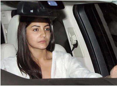 Top-10-pictures-of-Anushka-Sharma-without-makeup(3)