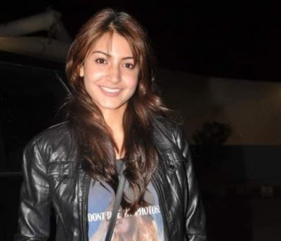 Top-10-pictures-of-Anushka-Sharma-without-makeup(6)
