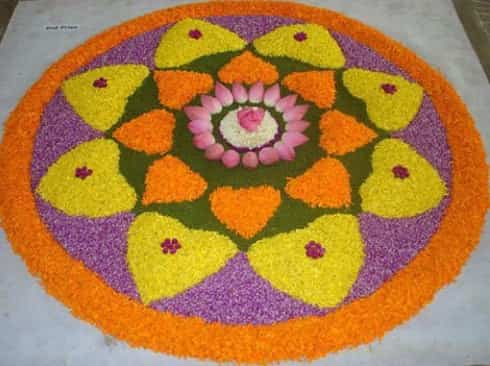 25-beautiful-athapookalam-designs