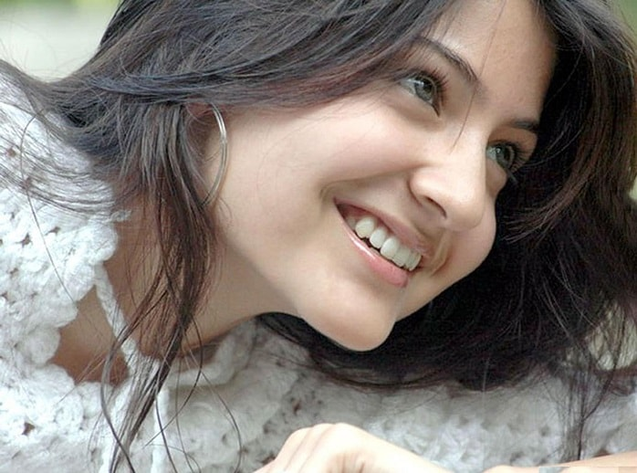 Top-10-pictures-of-Anushka-Sharma-without-makeup