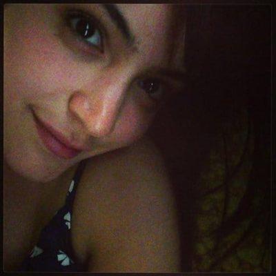 Top-10-pictures-of-Anushka-Sharma-without-makeup(10)