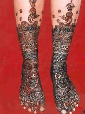 25-awesome-marwari-mehendi-designs-for-hands-and-legs(11)