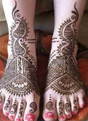 25-awesome-marwari-mehendi-designs-for-hands-and-legs(9)