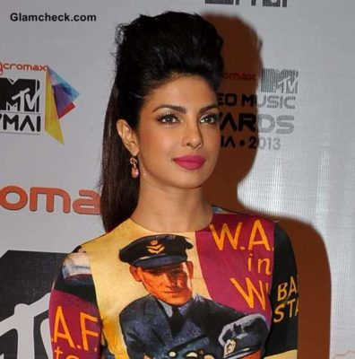 Bollywood-Celebrities-with-long-hair-Priyanka-chopra(3)