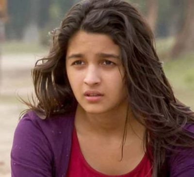 Top-10-pictures-of-Alia-Bhatt-without-makeup(2)