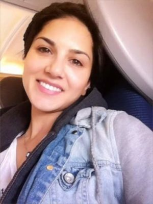 Top-10-pictures-of-Sunny-Leone-without-makeup(2)