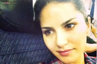 Top-10-pictures-of-Sunny-Leone-without-makeup(5)