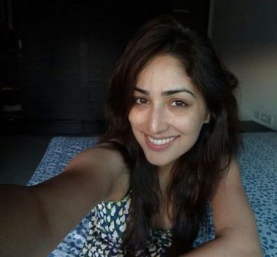 Top-10-pictures-of-Yami-Gautam-without-makeup(2)