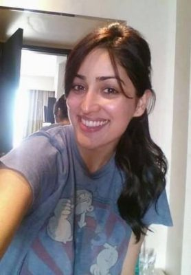 Top-10-pictures-of-Yami-Gautam-without-makeup(3)