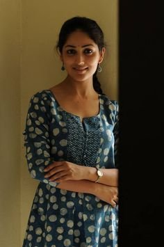 Top-10-pictures-of-Yami-Gautam-without-makeup(4)