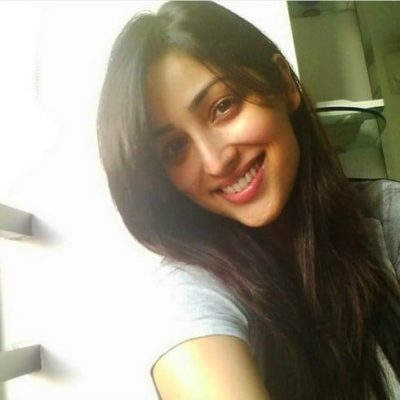 Top-10-pictures-of-Yami-Gautam-without-makeup(8)
