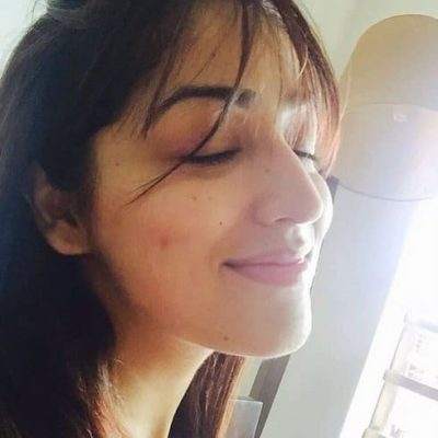 Top-10-pictures-of-Yami-Gautam-without-makeup(9)