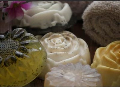 10 Best Organic Handmade Soaps In India: Reviews, Prices