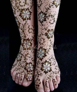 50-best-floral-mehndi-designs25