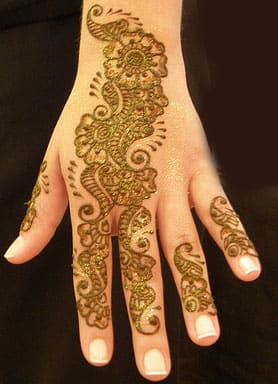 50-best-floral-mehndi-designs44-min